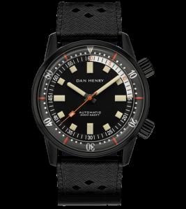 m_Dan_Henry_1970_Automatic_Diver_Black_No_Date_1000x