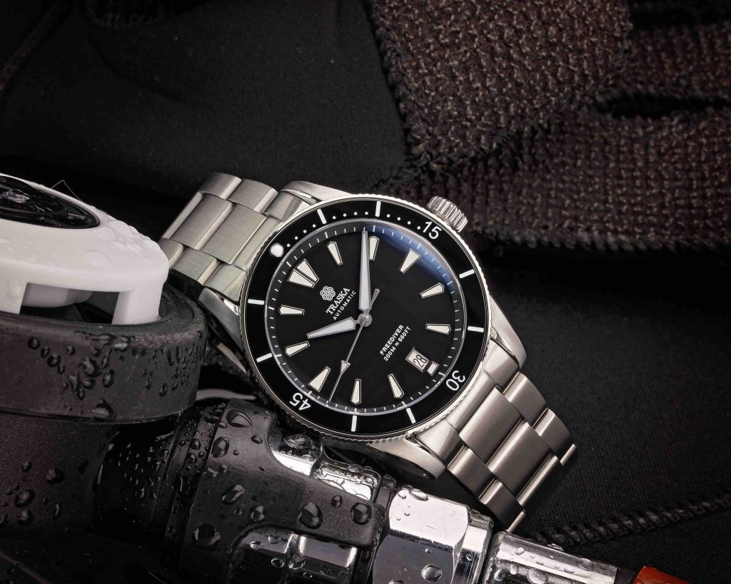 Freediver II | Black, Ceramic, Date