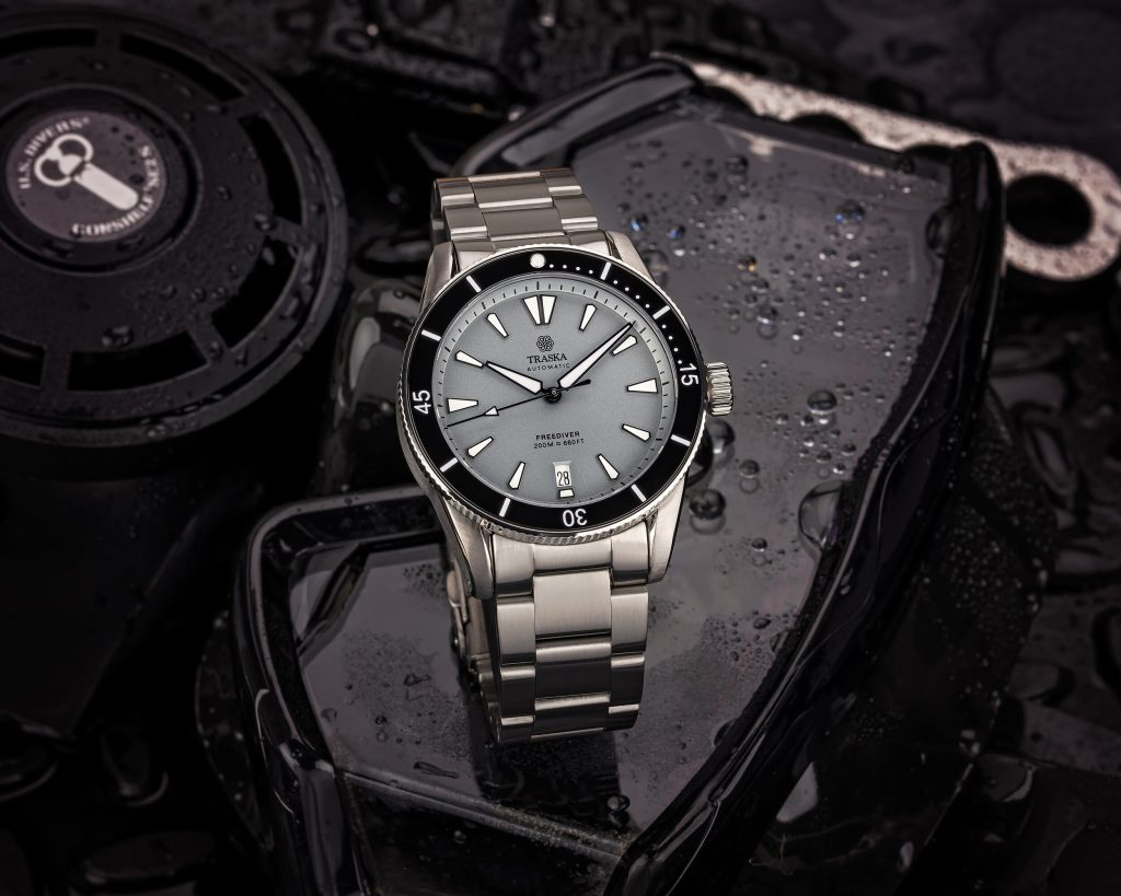 Freediver II | Grey, Ceramic, Date