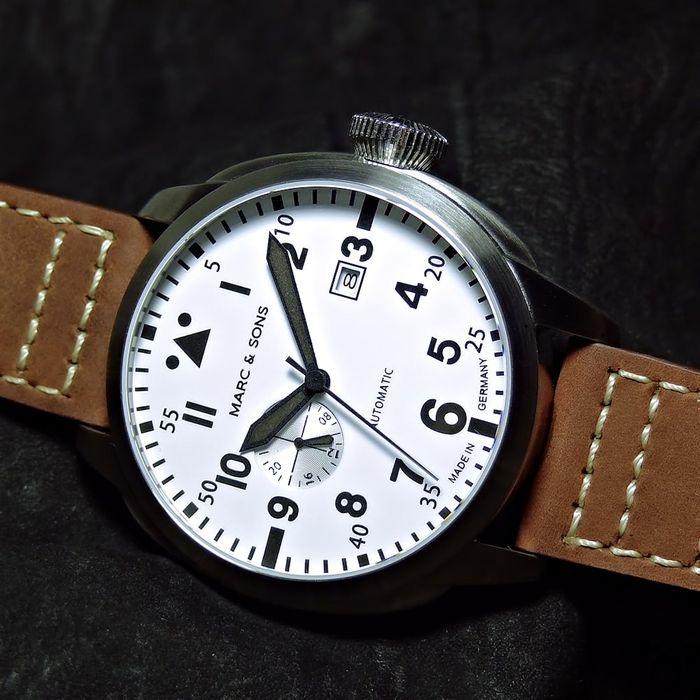 Marc & Sons Classic Pilot, White