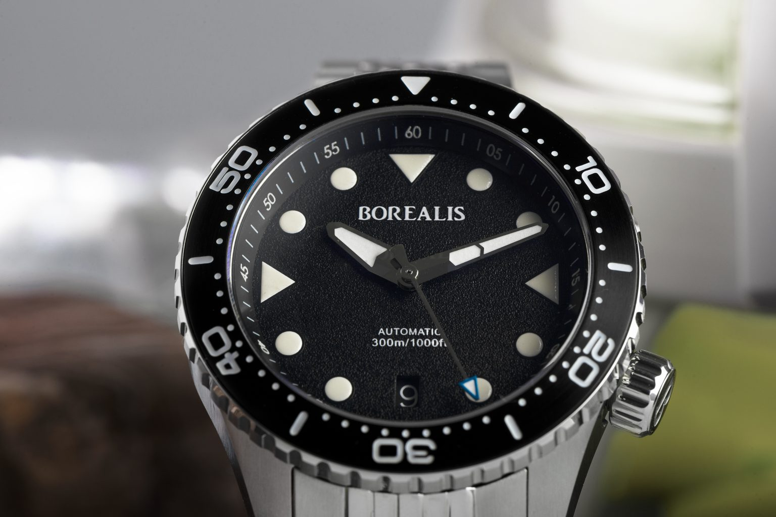 Borealis Neptuno, Black, Date